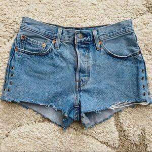 Women's Levi's 501 High-Rise Jean Shorts. SZ 26